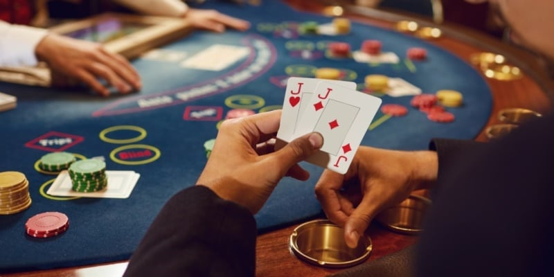 Play Live Poker in Online Casinos! | Livecasinocentral.com
