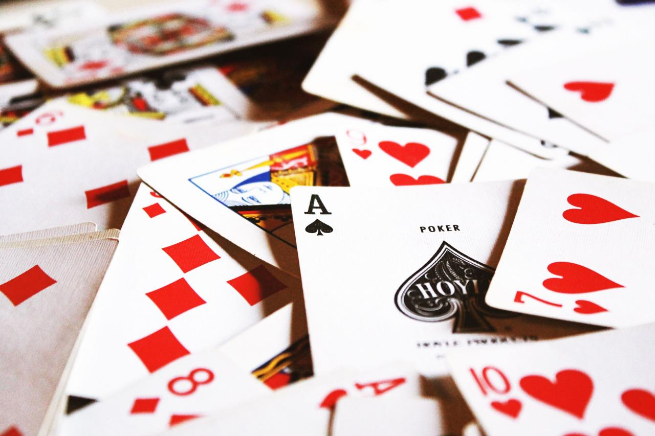 Facebook's new poker-playing AI could wreck the online poker industry—so it's not being released | MIT Technology Review